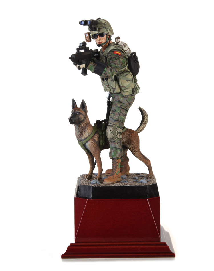 OPERATOR OF THE CANINE INTERVENTION GROUP OF THE SPANISH ARMY