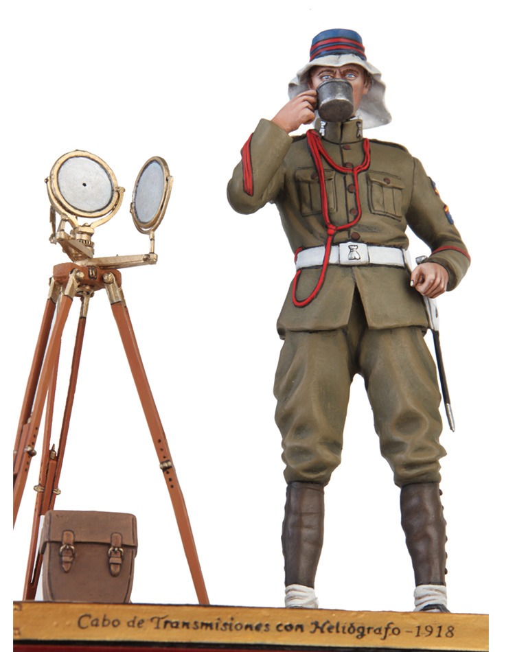 Corporal of transmissions with heliograph 1918